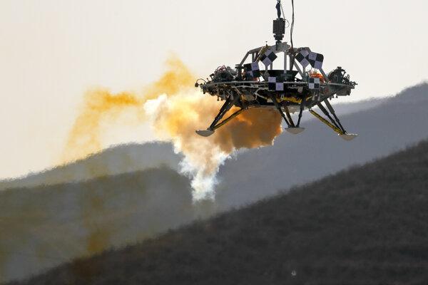 Rover misie Tchien-wen 1 počas testu.