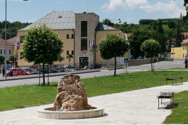 Mesto Spišské Podhradie žije v obavách z navrátilcov z Anglicka.