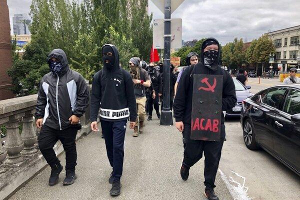 Členovia Antify v Portlande.