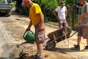 Práca na oprave cesty v Lysej pod Makytou.