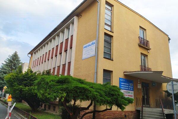 Budovu Agris v centre Nových Zámkoch chce kúpiť krajská prokuratúra.