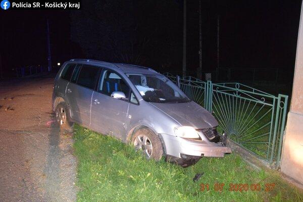 Nehoda v obci Rochovce.