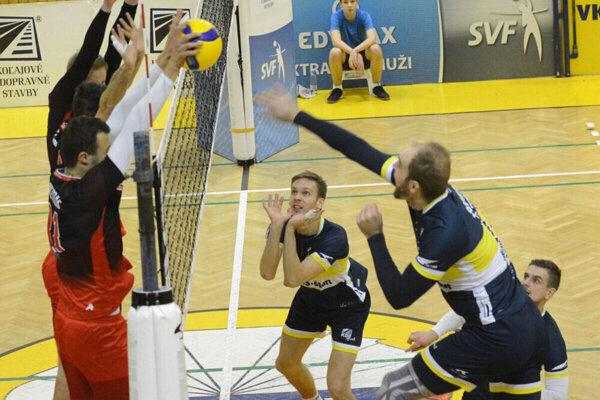 M. Sopko ml. (vpravo) popri práci a dcérke veľa času na individuálny tréning nemal.