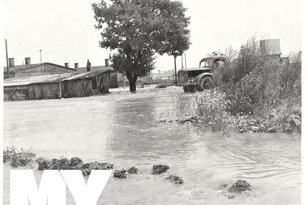Pôvodná plnička a minerálny prameň Fatra pri povodni v roku 1960.