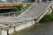 V posledný júlový piatok došlo k pádu mosta v Spišskej Novej Vsi.