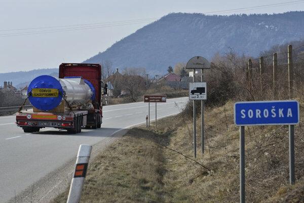 Cesta cez horský priechod Soroška.