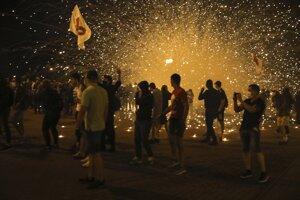 V centre Minsku vypukli v nedeľu večer násilné strety medzi políciou a demonštrantmi.