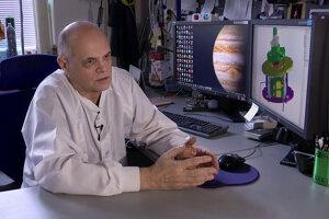 Vesmírny konštruktér Ján Baláž z Ústavu experimentálnej fyziky SAV v Košiciach. Pomáha pri vývoji detektora, ktorý zabudujú do sondy JUICE.