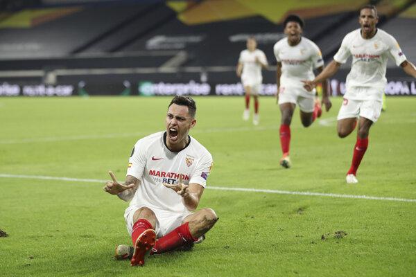 Lucas Ocampos z FC Sevilla sa raduje po strelenom góle.