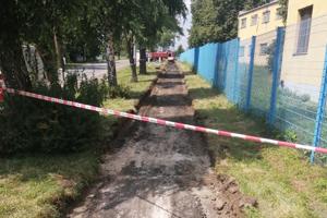 Zo starého chodníka vznikne prepájací úsek cyklotrasy.