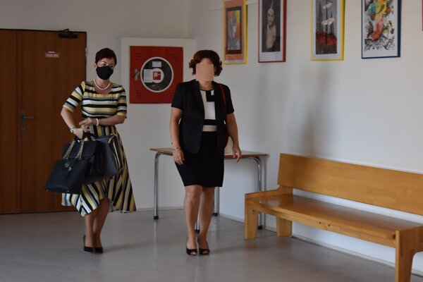 Bývalá starostka Lukačoviec (vpravo) si vypočula rozsudok.