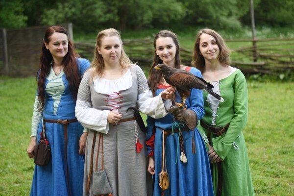 Šikovné žienky z Historického spolku sv. Šebastiána.