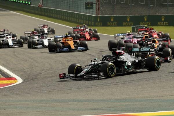 Lewis Hamilton na čele VC Belgicka.