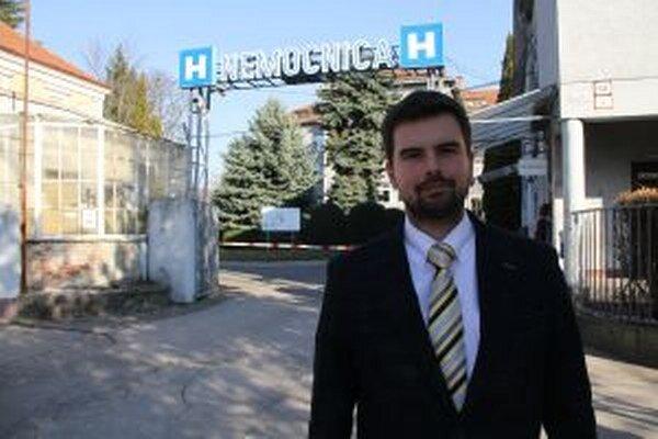 Nemocnici sa podarilo dostať do plusových čísel. Na snímke je jej riaditeľ Martin Cimrák.