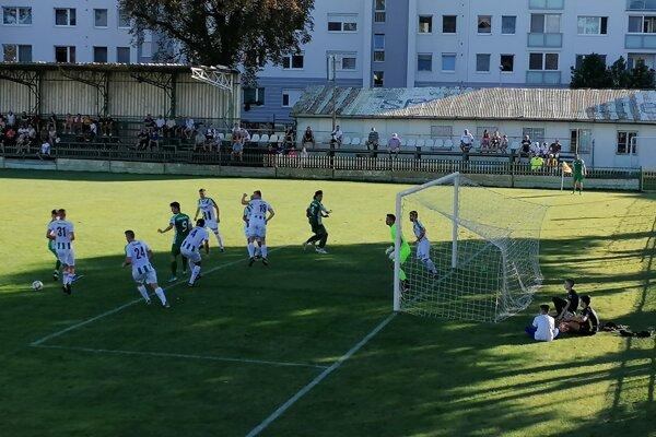 Zo zápasu Nové Zámky - Malženice 0:5