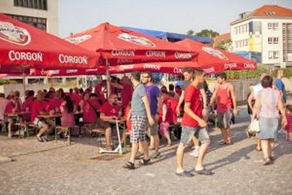 Pivný pochod prilákal cez víkend stovky ľudí.