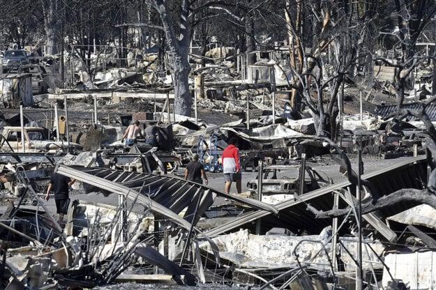 Požiar zničil park mobilných domov Coleman Creek Estates.