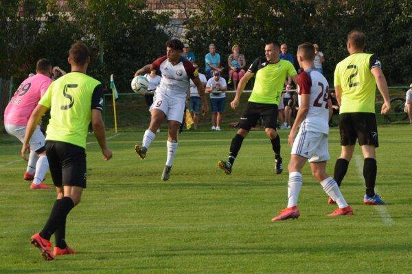 Jacovce na domácom ihrisku nestačili na Podbrezovú a prehrali 0:4.