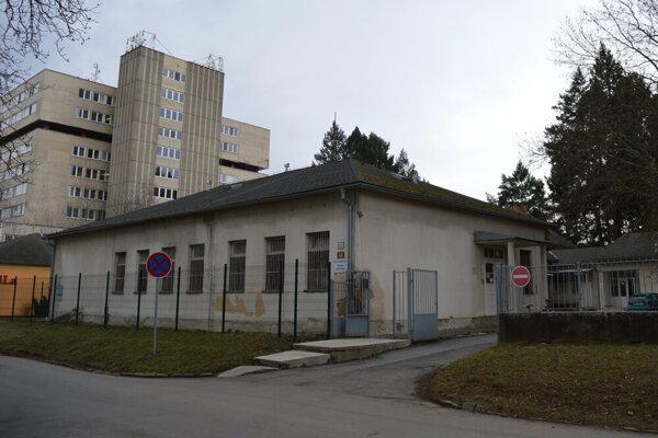 Fakultná nemocnica s poliklinikou Jána Adama Reimana Prešov - oddelenie infektológie.