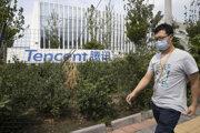 Čínsky technologický gigant Tencent, ktorému aplikácie patria, hlási prudký nárast sťahovaní.