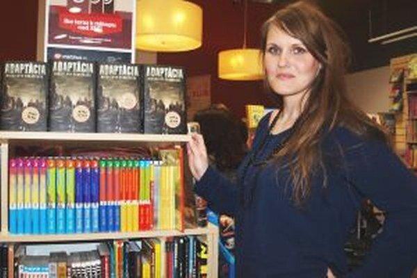 Spisovateľka Miroslava Varáčková so svojou novinkou.