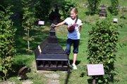 Minigaléria drevených kostolíkov v obci Ulič.