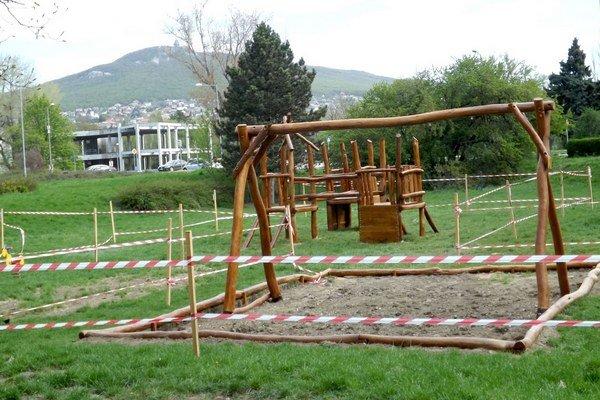 Nové ihrisko bude aj na Mostnej ulici, v susedstve materskej školy.