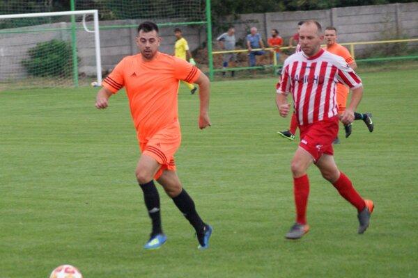 Archívna snímka zo zápasu Urmince - Hrušovany.