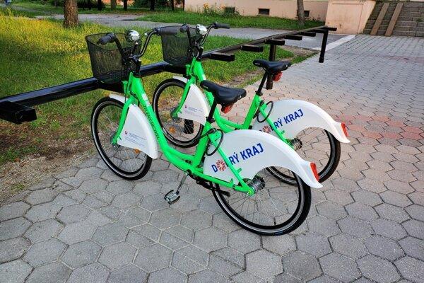 Lučenec je prvým mestom v Banskobystrickom kraji so službou zdieľaných bicyklov.