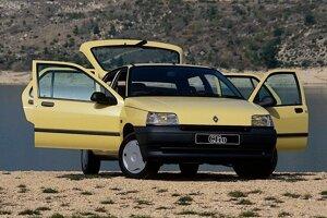 Prvý drobný facelift Clio dostalo už rok po uvedení na trh.