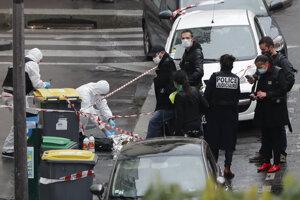 Útočník vážne zranil dvoch ľudí.
