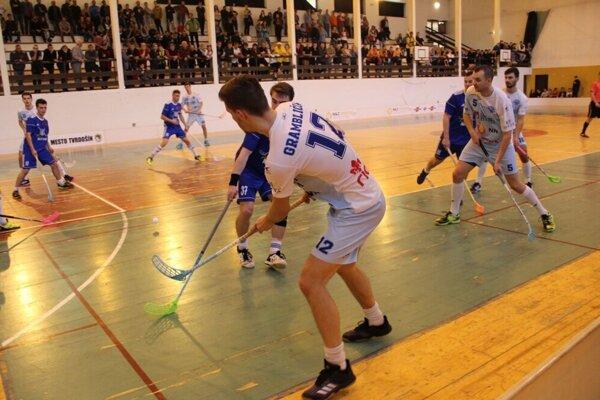 archívne foto zo zápasu Nižnej so Záhorskou Bystricou.