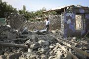 Zničené domy v oblasti Tartar v Náhornom Karabachu.