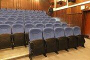 Kino Hron ostane v okóbri prázdne.