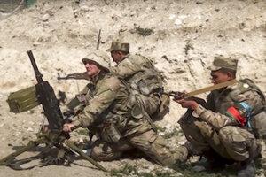 Azerbajdžanskí vojaci v Náhornom Karabachu.