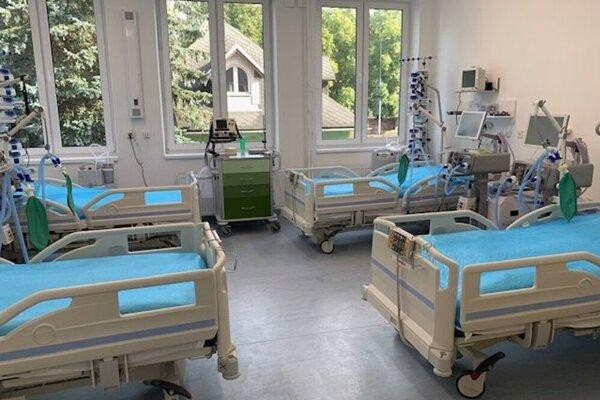 V ružomberskej nemocnici v piatok otvorili nový pavilón pre pacientov s koronavírusom.