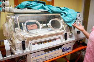Transportný inkubátor, v ktorom sa deti prevážajú, ak je to potrebné.