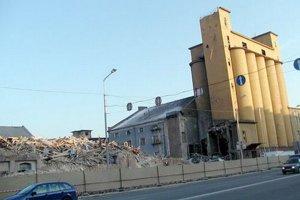 Mlyny začali búrať na jar 2006.