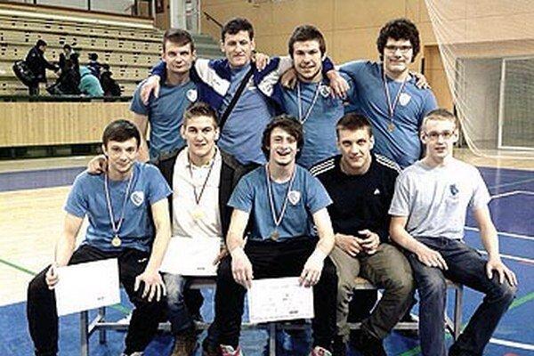Na medzinárodnom turnaji vPlzni získali zápasníci AC Nitra dvakrát zlato atrikrát striebornú medailu.