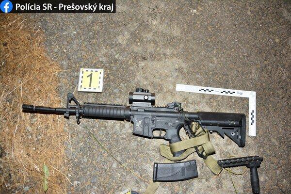 Zbrane podrobí polícia znaleckému skúmaniu.