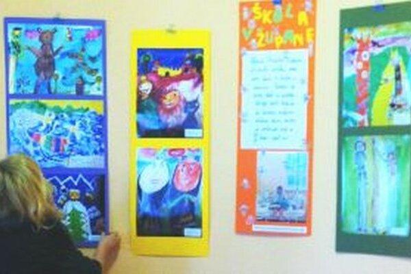 Výstava prác detí, ktoré tvorili v nitrianskej fakultnej nemocnici.