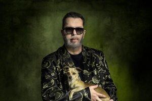 Richardovi Müllerovi vyšiel 13. októbra nový album s názvom Hodina medzi psom a vlkom.