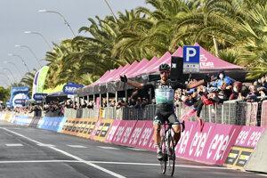 Peter Sagan vyhráva 10. etapu na Giro d'Italia 2020.