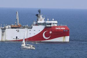 Turecké prieskumné plavidlo Oruč Reis.