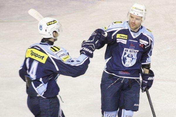 Jakub Ručkay vpravo bol v piatok jedným z úspešných strelcov Nitry.