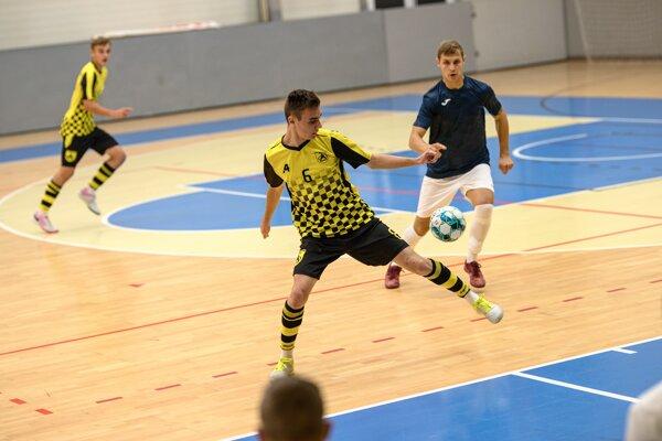 Zo zápasu Komárno - Makroteam Žilina 6:3