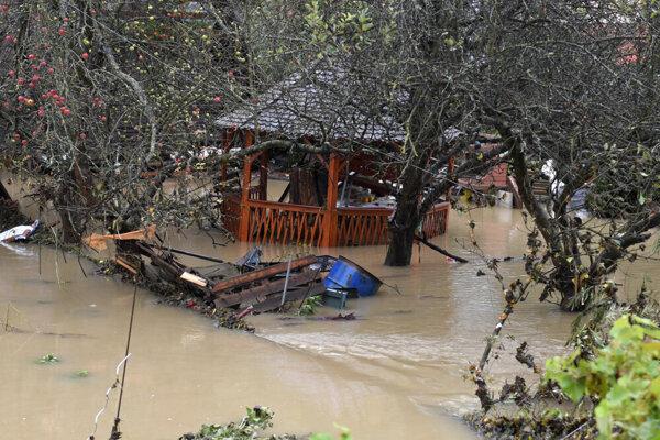 Spúšť po povodni v Kysaku.