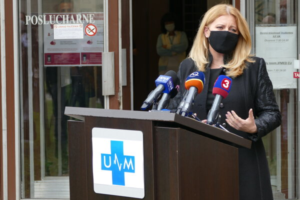Prezidentka SR Zuzana Čaputová počas navštevy Univerzitnej nemocnice v Martine.