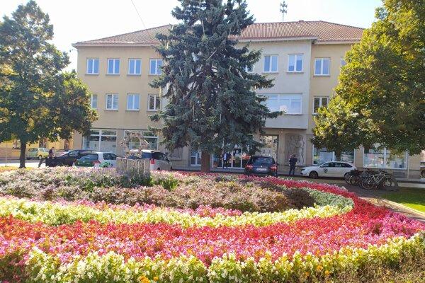 Mestský úrad v Nových Zámkoch
