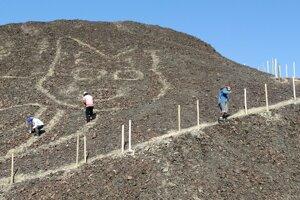 Vedci uplynulý týždeň strávili opravou a konzervovaním geoglyfu.